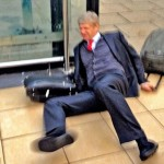 Arsenal's Arsene Wenger Falls Down After 5-1 Defeat